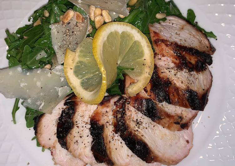 Easiest Way to Make Appetizing Grilled chicken with arugula salad 🥗