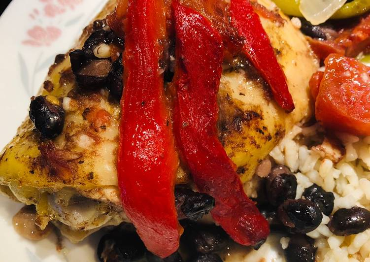 Easiest Way to Prepare Appetizing Roasted Red Pepper Chicken 🐔 Thighs