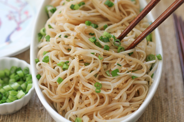 How to Make Tasty Chinese New Year Noodles
