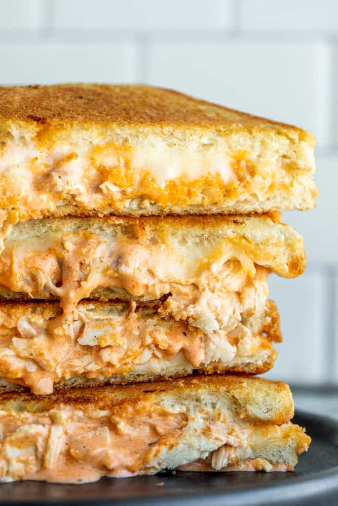How to Prepare Delicious Buffalo Chicken Grilled Cheese