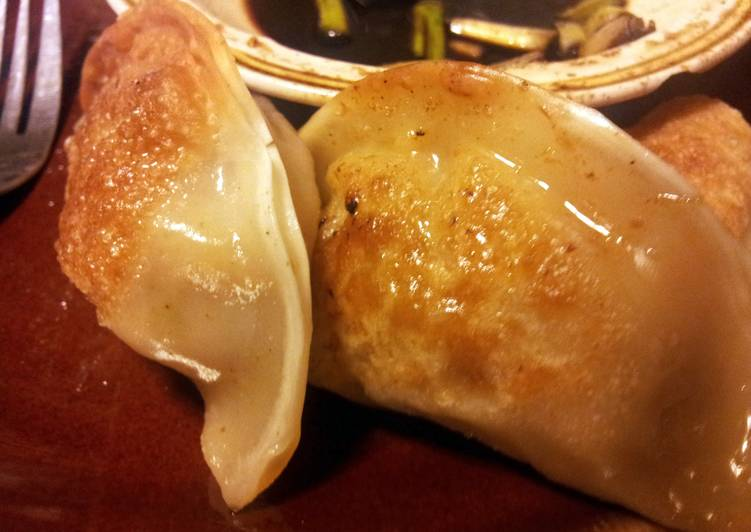 How to Prepare Yummy Chicken/ Shrimp Pot Stickers and Ginger Dipping Sauce