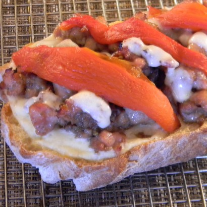 Recipe: Yummy Chicken Sausage Bread